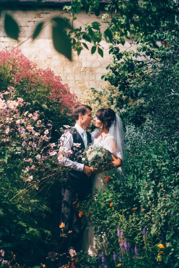 bury_court_barn_wedding_photographer-33-2